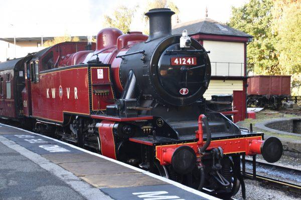 41241,keighley,keighleyworthvalleyrailway,preserved,steamengine,preservedsteamengine